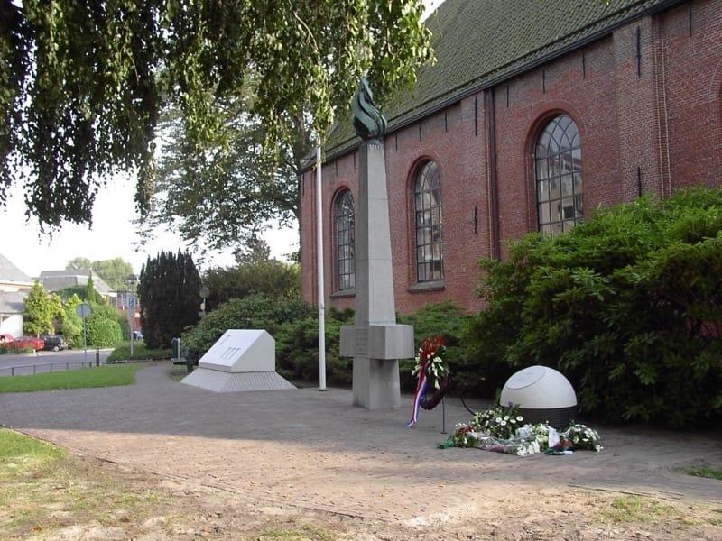 Monument Veendam WOII